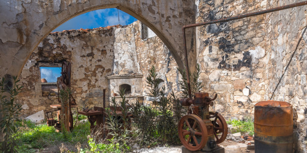 Panoramabild - Lost Place in Fiti Village auf Zypern