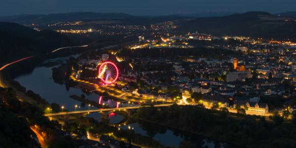 Panoramabild - Blick auf Trier bei Nacht