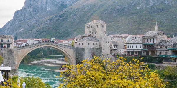 Panoramabild - Brücke von Mostar in Bosnien-Herzegowina