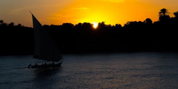 Panoramabild - Sonnenuntergang auf dem Nil 3