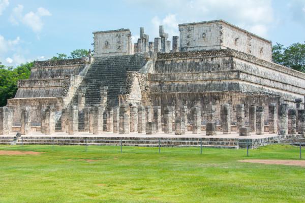 Chichen Itza Kriegertempel mit den 1000 Säulen